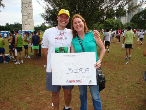 Eu e Erika na chegada da Maratona de São Paulo